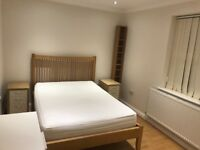 SPACIOUS DOUBLE ROOM £650/pcm ALL bills included