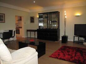 Large one bedroom aprtment , mins to Hyde Park, Lancaster Gate or Paddington tubes