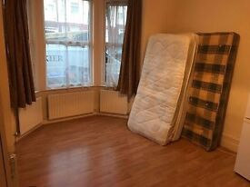 MASSIVE DOUBLE ROOM AVAILABLE NOW IN WILLESDEN GREEN FOR ONLY £180 PW WITH ALL BILLS INCLUDED!