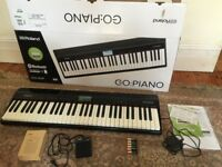 Roland GO:Piano – 61 Key Battery Powered Digital Piano Keyboard (incl Accessories + Sustain Pedal)