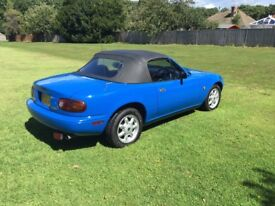 Mazda MX5 1.6 Eunos 1990.Exceptional low mileage.Mariner Blue.Automatic with overdrive.