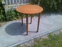 Danish-Style 70s Round Coffee Table with Screw-in Atomic Legs & Castors