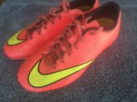Junior Nike Football Boots Mercurial size 4