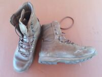 Altberg combat boots 9M