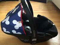 MAXI COSI PEBBLE CAR SEAT & FAMILY FIX ISOFIX BASE
