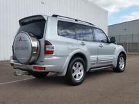 Mitsubishi Shogun Automatic 3.2 Diesel LWB 4x4 7 seater Fully Loaded quick sale..