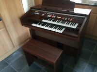 TECHNICS U30 ELECTRONIC ORGAN WITH LOTS OF MUSIC BOOKS