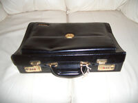 LEATHER EXPANDABLE BRIEFCASE (BRAND NEW) UNISEX