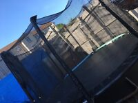 10ft trampoline with enclosure safety net. good condition