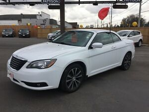 2012 CHRYSLER 200 S CONVERTIBLE - HARD-TOP, NAVIGATION, LEATHER