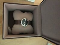 gucci gg watch stainless steel excellent condition ......