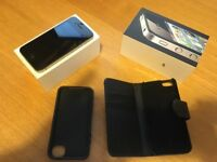 iphone 4 , 8GB black unlocked in original box with charger and lead
