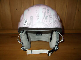 Junior Girls Ski / Board Helmet in Very Good Condition - Sized Youth Small (48-53cm)