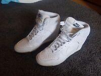**Fab White Nike Hi-Tops size UK7.5**