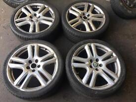 Jaguar rims with tyres