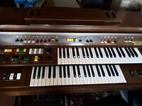 Electric organ yamaha very good condition all working well
