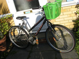 """LADIES 26"""" WHEEL BIKE 18"""" FRAME WITH FITTED BASKET IN GREAT WORKING ORDER"""