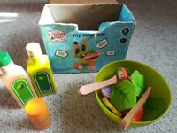 Sainsbury's pretend & play my salad set