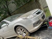 Vauxhall vectra breaking