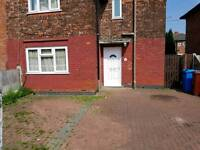 *FULLY FURNISHED* 3 BEDROOM SEMI-DETACHED PROPERTY LOCATED ON SEARBY ROAD GORTON M18 7RQ.