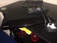 SONY BLU-RAY DVD PLAYER WITH REMOTE, NETFLIX, YOUTUBE, BBC iPLAYER, NOW TV FEATURES