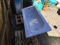 FREE Bath (slightly damaged)