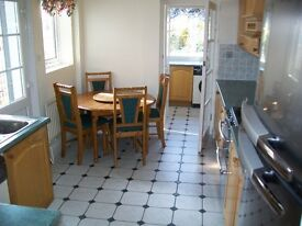 NEWLY REFURBISHED 2 BEDROOM PROPERTY WITH OWN ENTRANCE AND GARDEN! CHINGFORD