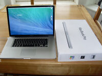 MacBook Pro 17 2.8 C2D 1000GB SSHD 8Gb Ram Latest OSX & Logic Pro X
