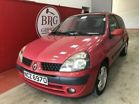 Renault Clio (red) 2002