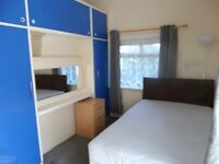 LARGE FIRST FLOOR DOUBLE ROOM - BILLS INCL - ASHFORD TOWN