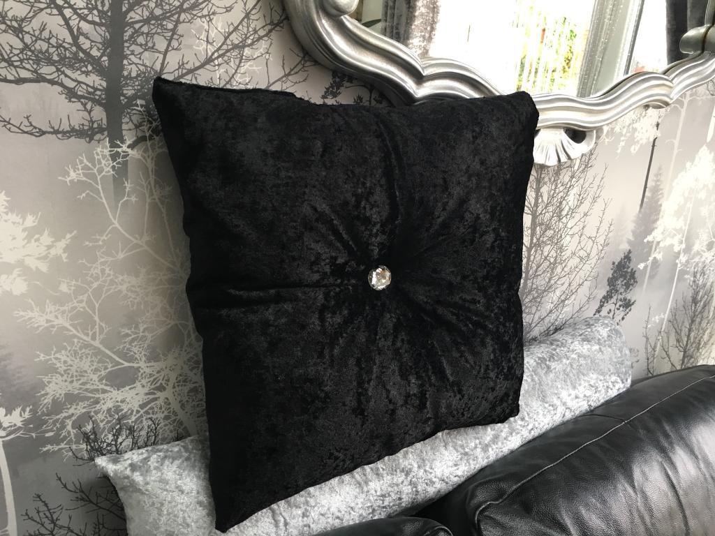 Black diamont'e Cushion