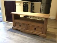 Solid oak TV stand with 2 drawers ( like new )