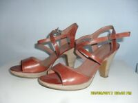 Bertie Sandals size 37