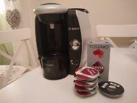 Bosch Tassimo coffee machine in very good condition with Costa Americano pods