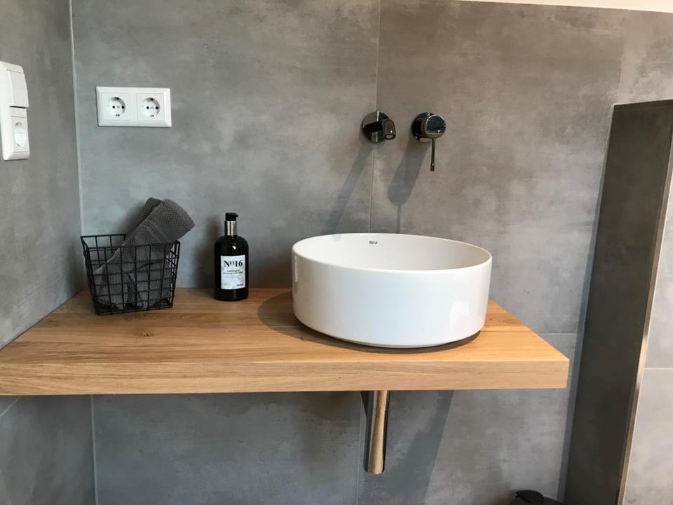 Waschtisch Eiche massiv Holz Baumkante Fensterbank  Bad WC in Saarbrücken - Saarbrücken-Mitte