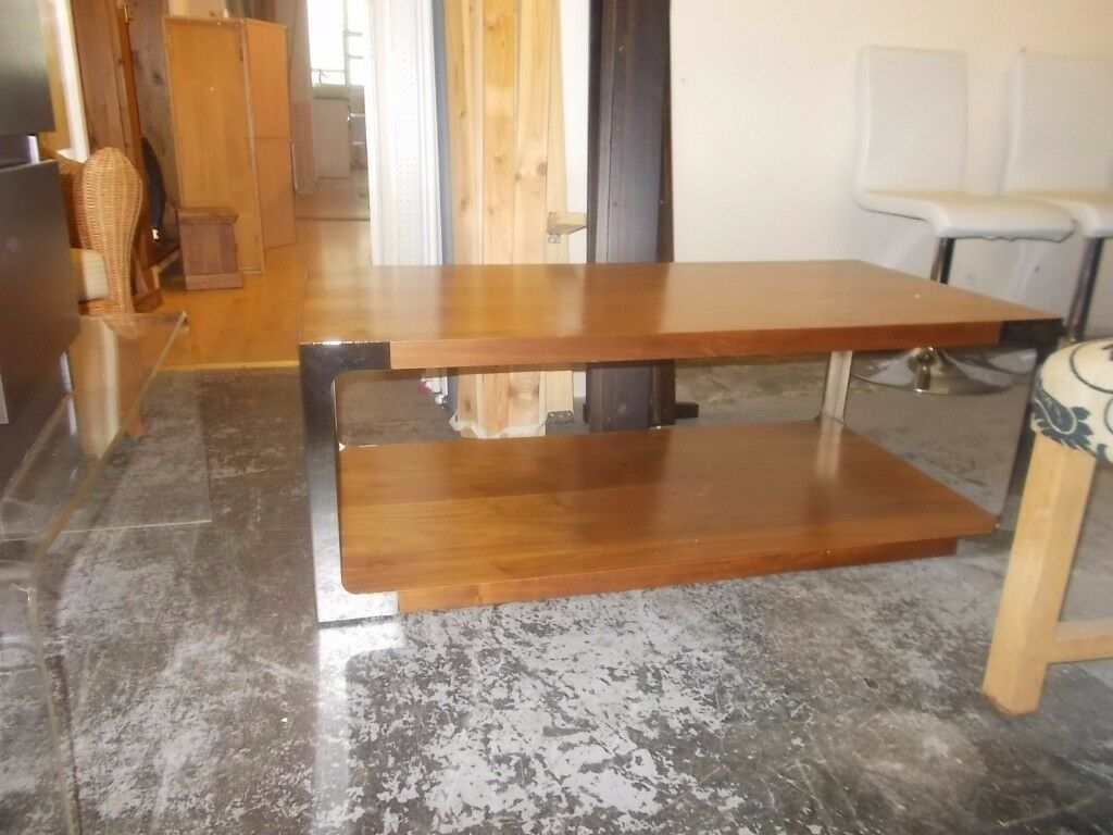 LARGE SOLID WOOD AND CHROME COFFEE TABLE IN GOOD USED CONDITION FREE LOCAL DELIVERY AVAILABLE