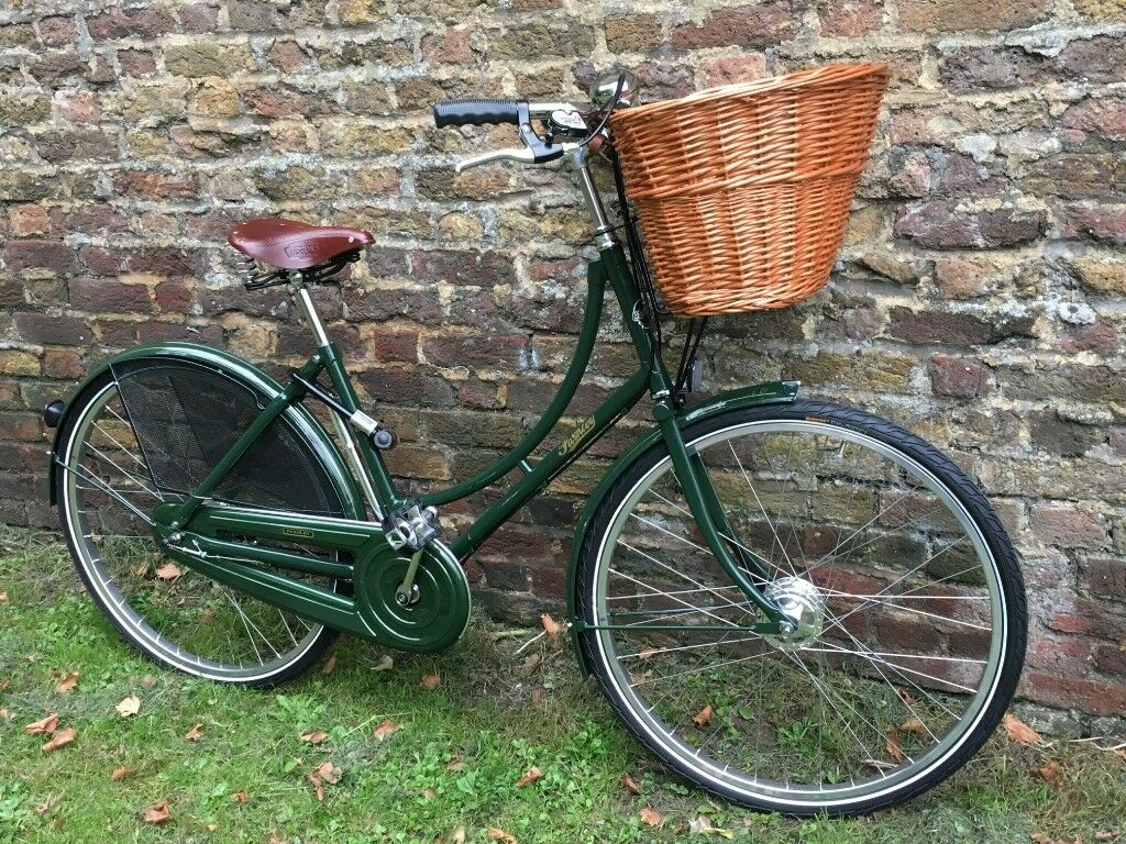 19f33ede01c Pashley Princess Sovereign Ladies Bike | in Tower Bridge, London ...
