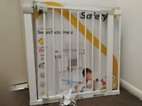 Baby stair gate with extension