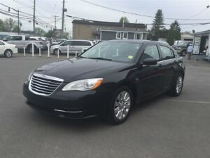 2013 Chrysler 200 LX 2.4L 4 CYL AUT 3999$ 514-692-0093