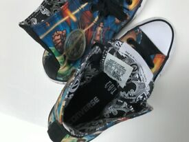 Converse shoes kids, Uk size 4, comics