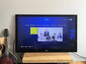"LG 44"" 'Wall mount' LED TV"
