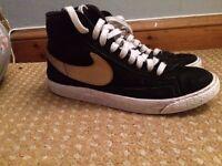 Size 4 Nike Hightops (Blazers)