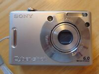 Digital compact camera - Sony Cybershot DSC-W30