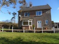 3/4 bedroom farmhouse with large garden and and garage