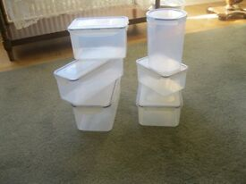 Plastic click and lock kitchen food storage containers