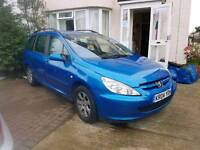 ((SOLD))Peugeot 307 SW drives like a dream, very clean interior. Lady owner