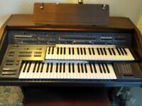 Farfisa TS901 electric organ