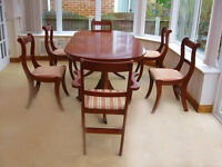 ELEGANT-LARGE -YEW DINING TABLE & 6 CHAIRS (4 CHAIRS & 2 CARVER CHAIRS)- CAN DELIVER