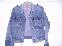 Authentic Vintage Red Tag Levi Strauss & Co Classic Jacket size 42