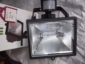 Halogen PIR Floodlight Black